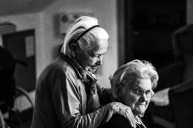Ayuda en casa para mayores y dependientes